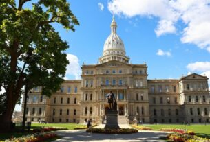 'credible-threats-of-violence'-prompt-closure-of-michigan-capitol-to-the-public-ahead-of-electoral-college-vote