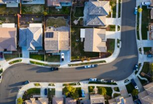 mortgage-rates-slide-to-fresh-record-low-as-fed-holds-steady