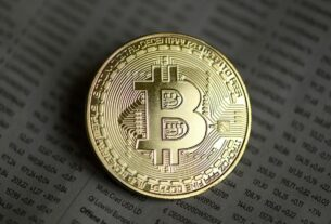 bitcoin-tops-$20,000-milestone-and-continues-to-surge-to-record-highs