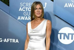 jennifer-aniston-sharing-a-pandemic-ornament-caused-backlash