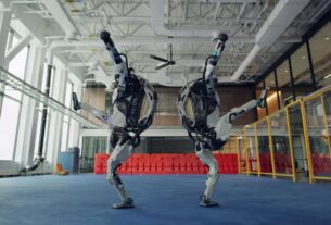 watch-boston-dynamics-robots-dance-to-'do-you-love-me'