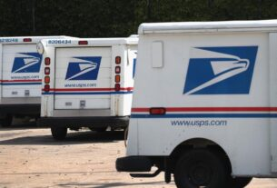customers-wait-weeks-for-packages-from-usps