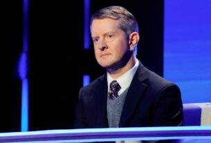 ken-jennings-of-'jeopardy!'-apologizes-for-insensitive-tweets