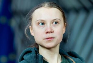greta-thunberg-celebrates-her-18th-birthday-with-a-snarky-tweet