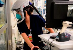 coronavirus-numbers-are-abysmal-in-the-us.-here's-what's-fueling-the-surge