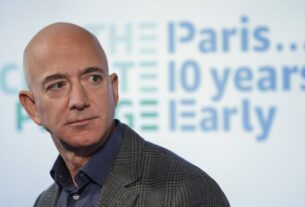 how-elon-musk-and-jeff-bezos-can-help-save-our-democracy