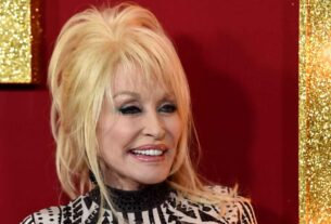 forever-ageless-dolly-parton-turns-75