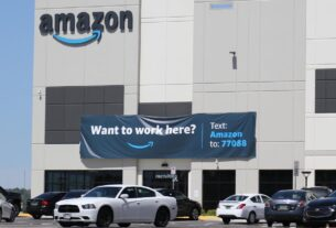 thousands-of-amazon-warehouse-workers-to-vote-on-whether-to-form-company's-first-us-union