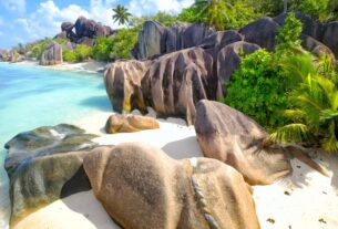 seychelles-opens-to-covid-vaccinated-travelers