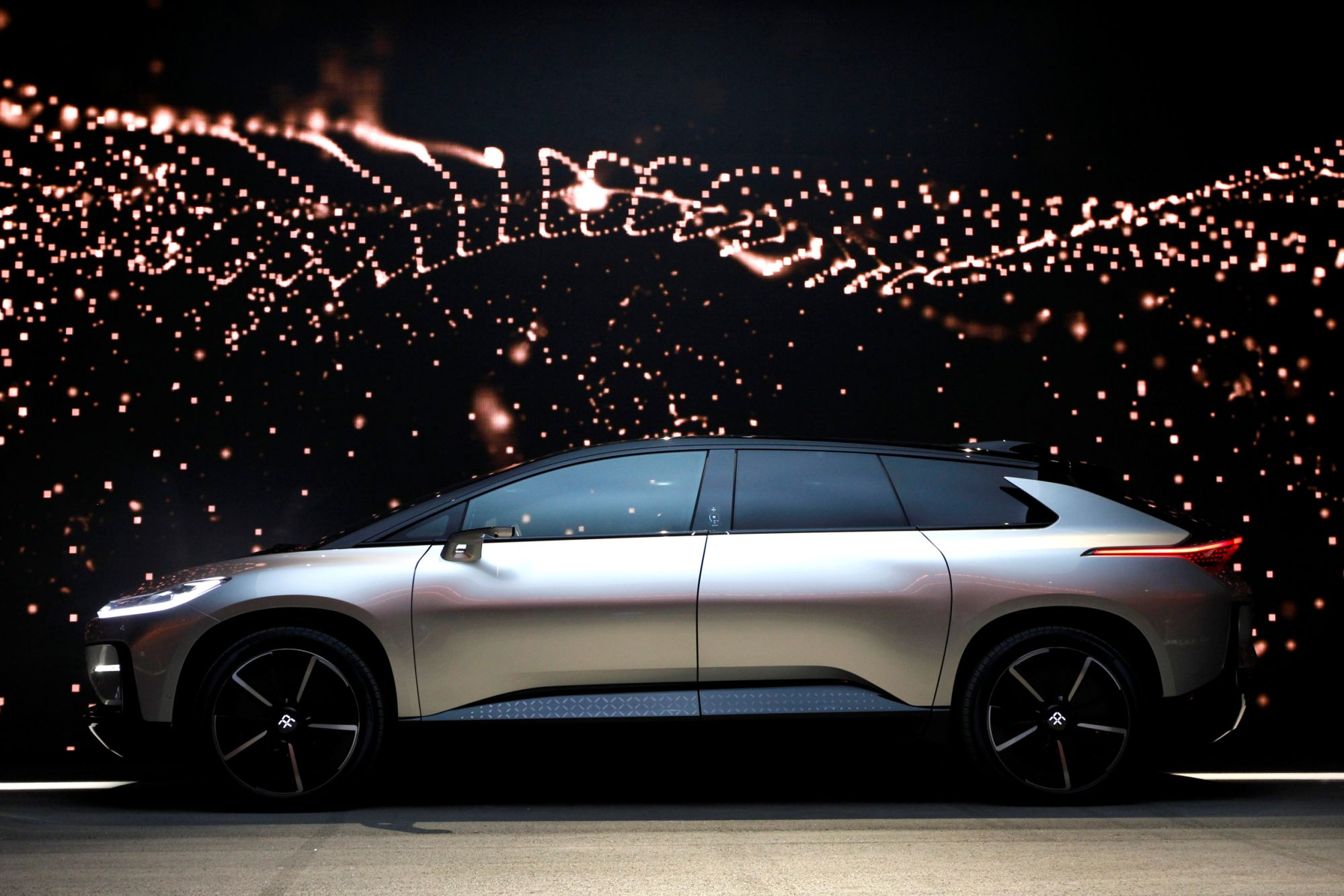 tesla-challenger-faraday-future-wants-to-go-from-0-to-$20b-in-sales-by-selling-lots-of-$180k-electric-cars