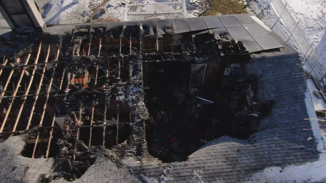 christmas-lights-house-starts-to-rebuild-after-fire