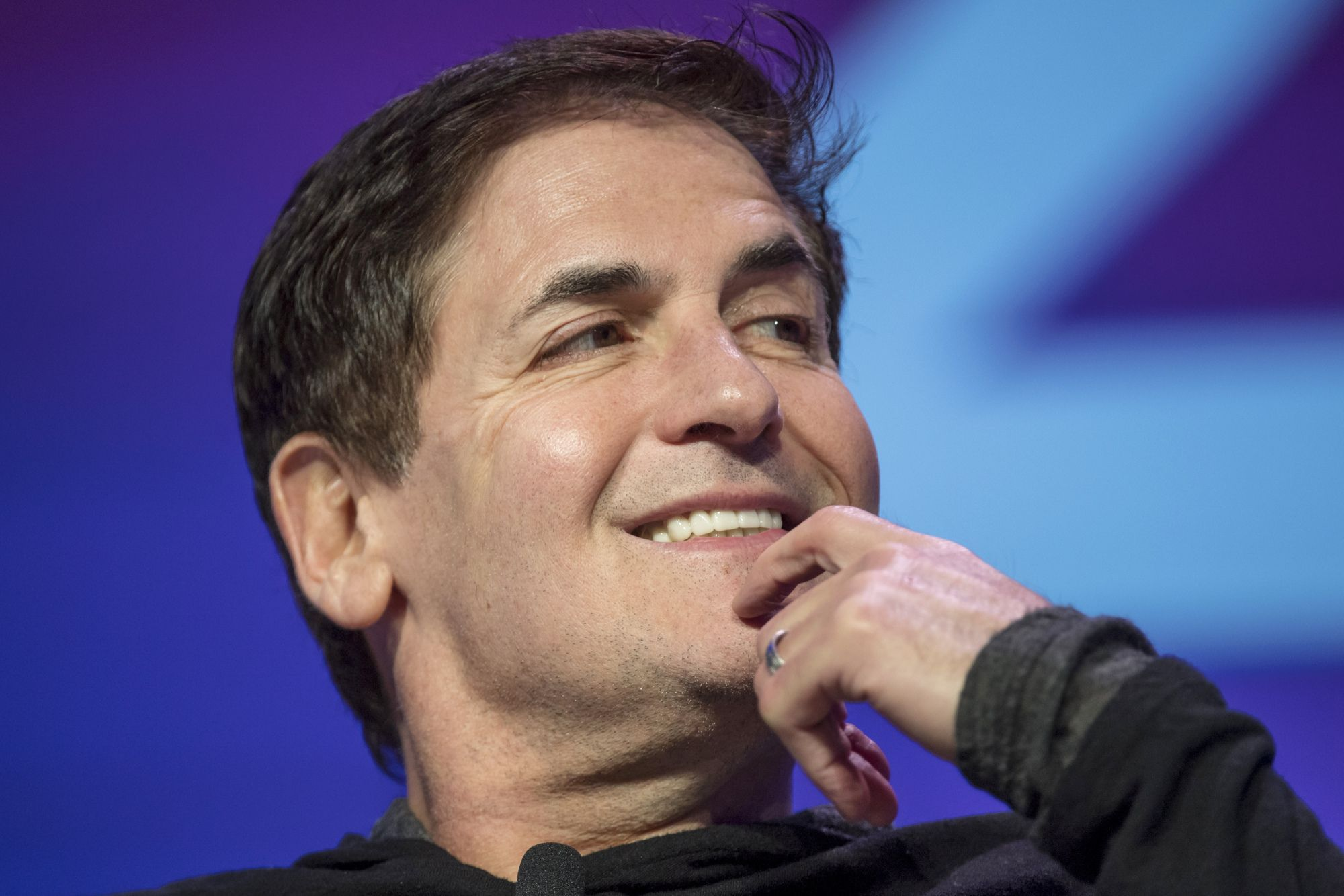 mark-cuban-tells-wallstreetbets-to-hold-'if-you-can-afford-to'