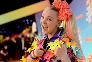 jojo-siwa-says-her-'perfect'-girlfriend-encouraged-her-to-come-out