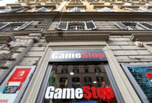 gamestop-unraveling-quickens-as-redditors-pivot-to-biotech
