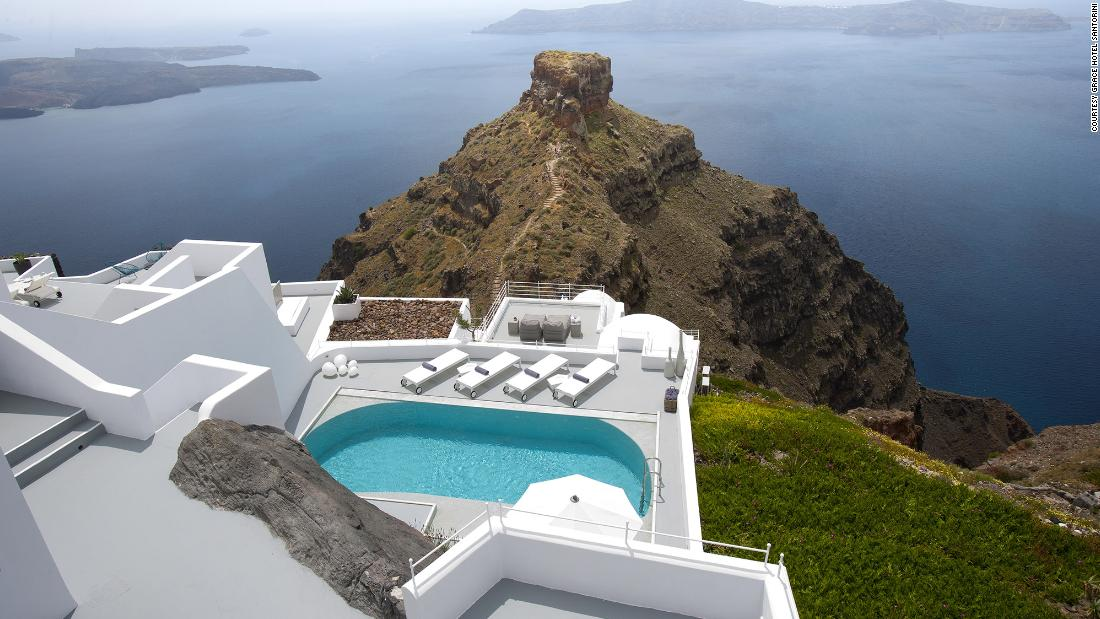 the-world's-most-breathtaking-clifftop-hotels