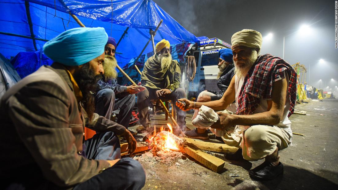 what-life-is-like-in-indian-farmers-protest-camps-on-delhi's-outskirts