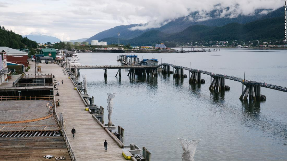 canada-extends-cruise-ship-ban-to-2022.-that's-bad-news-for-alaska-tourism,-too