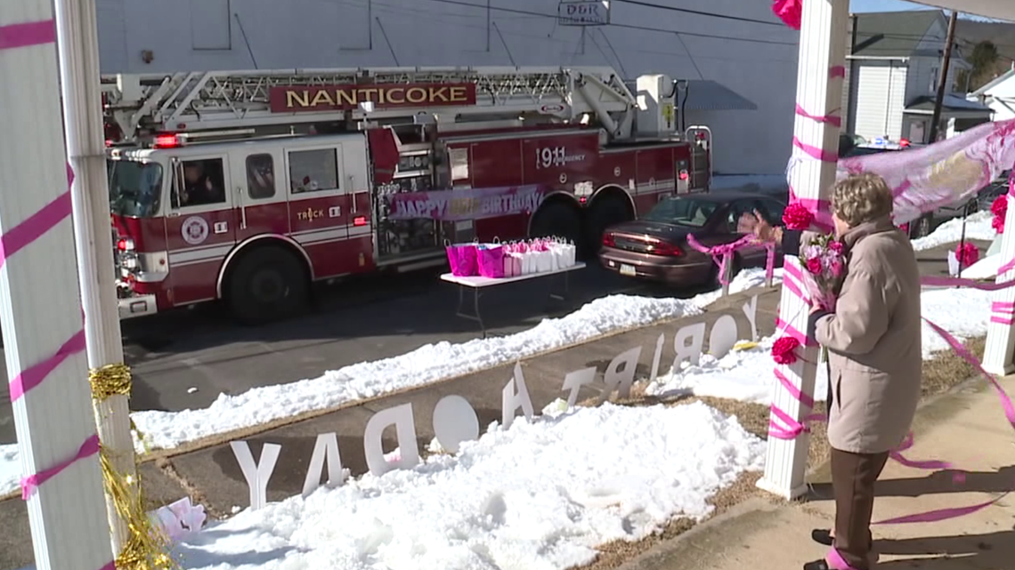 woman-celebrates-95th-birthday-with-parade