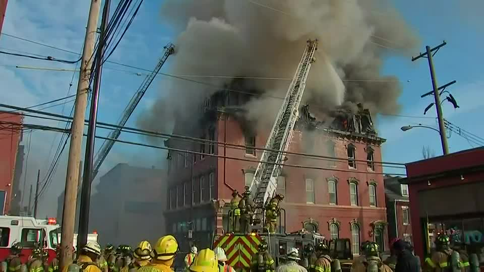 building's-collapse-'imminent'-after-massive-fire
