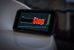 'roaring-kitty'-sued-for-securities-fraud-over-gamestop-rise