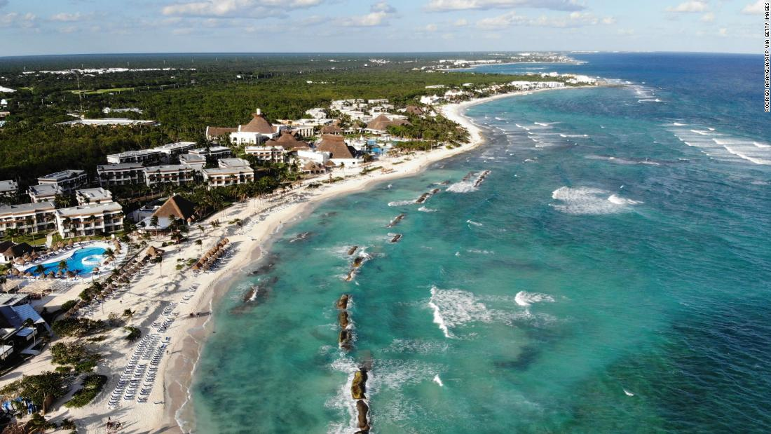risky-business?-balancing-mexico's-pandemic-response-with-tourism