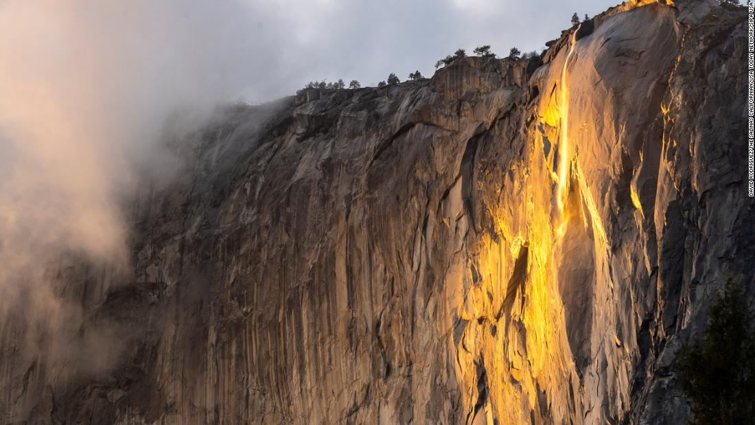 'firefall'-2021-lights-up-in-orange-glory-—-and-yosemite-has-extended-the-viewing