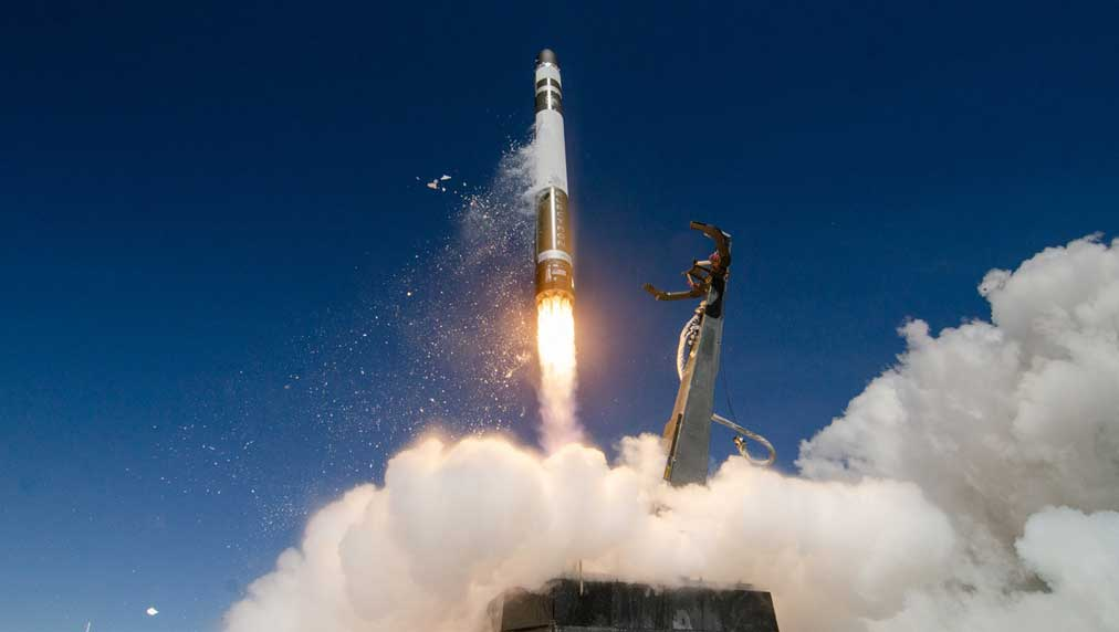 new-space-stock-eyes-bigger-rocket,-human-spaceflight-after-spac-deal