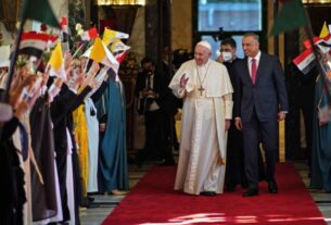 images-from-the-pope's-historic-iraq-visit