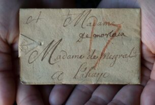 'locked'-letter-sealed-300-years-ago-is-finally-opened