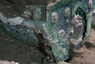 ceremonial-chariot-unearthed-from-pompeii's-ruins