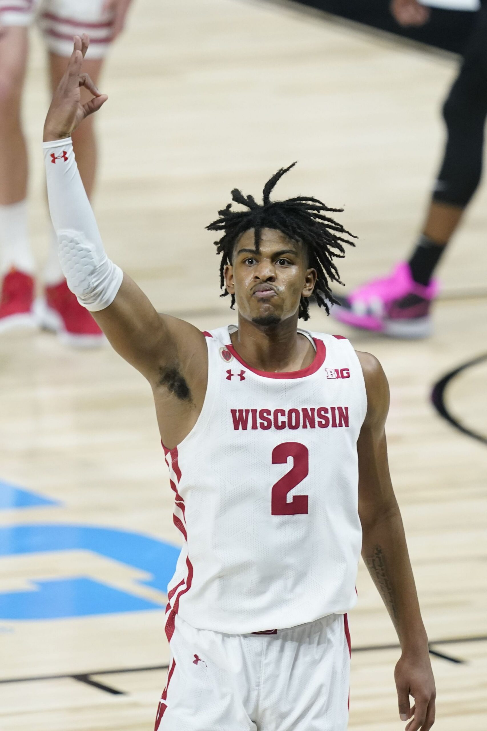 wisconsin-escapes-with-75-74-win-over-penn-state