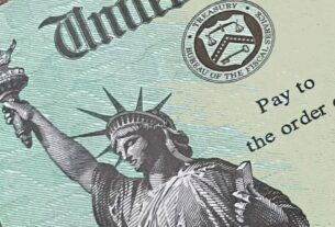 stimulus-payments-hitting-some-americans'-bank-accounts