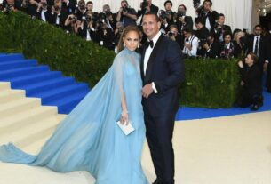 jennifer-lopez-and-alex-rodriguez-remain-a-couple,-say-they-are-'working-through-some-things'