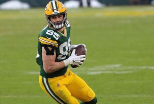 packers-place-second-round-tender-on-robert-tonyan