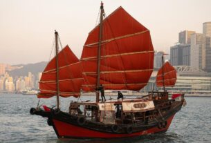 the-last-of-hong-kong's-original-wooden-junk-boats-is-still-afloat