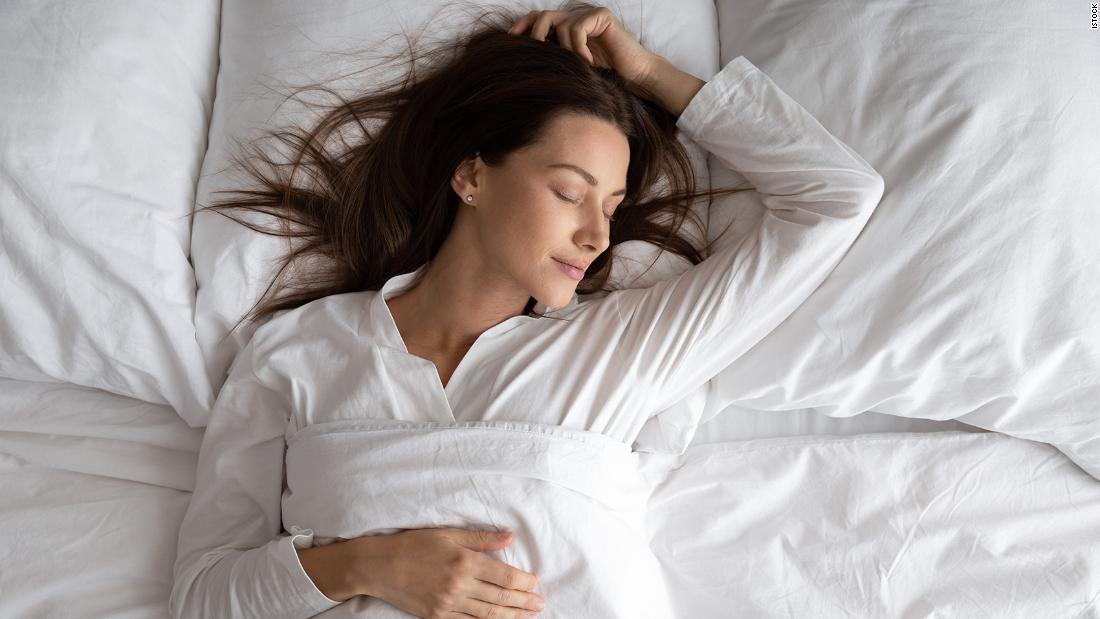 good-sleep-starts-with-pillows:-here's-an-option-for-every-sleeper