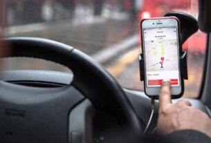 uber's-uk-drivers-to-get-paid-vacation,-pensions-following-supreme-court-ruling
