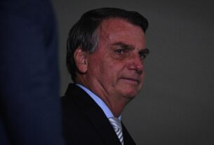 as-covid-19-deaths-soar-in-brazil,-bolsonaro-says-there's-a-'war'-against-him