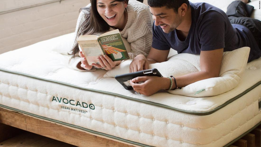 the-best-sales-to-shop-this-weekend:-casper,-brooklinen-and-more