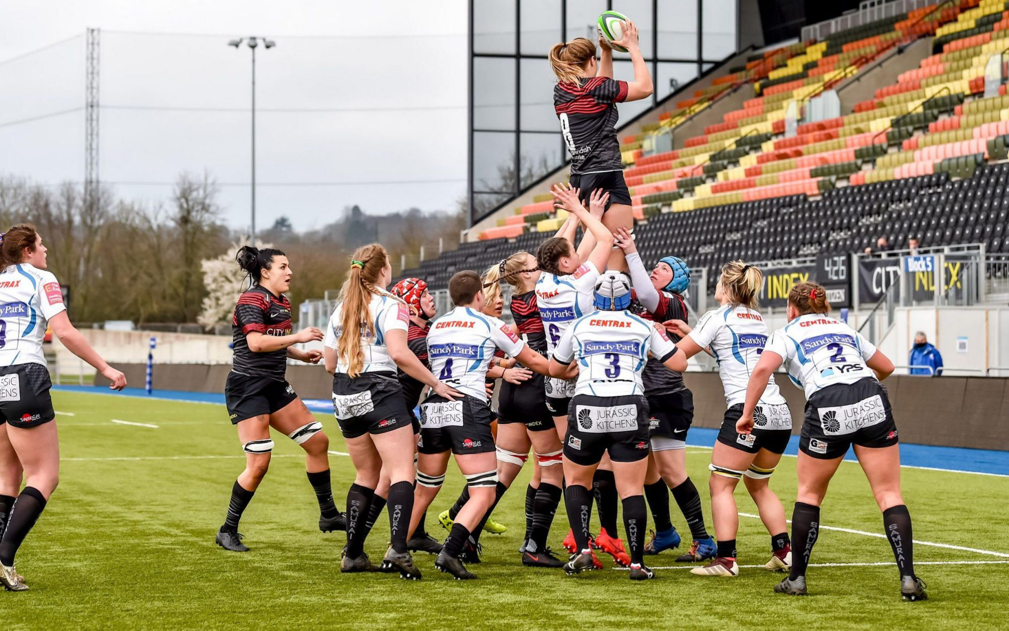saracens-women-come-from-behind-to-end-exeter-chiefs'-seven-match-winning-run
