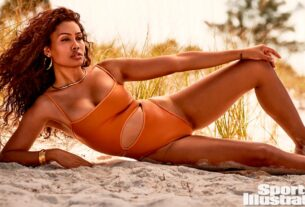 leyna-bloom-makes-history-in-sports-illustrated-swimsuit-issue