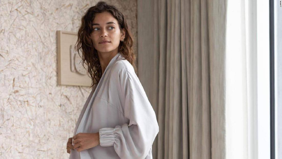 19-silk-pajamas-sets-you'll-never-want-to-take-off