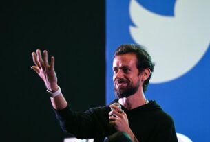 the-first-ever-tweet-sold-as-an-nft-for-$2.9-million