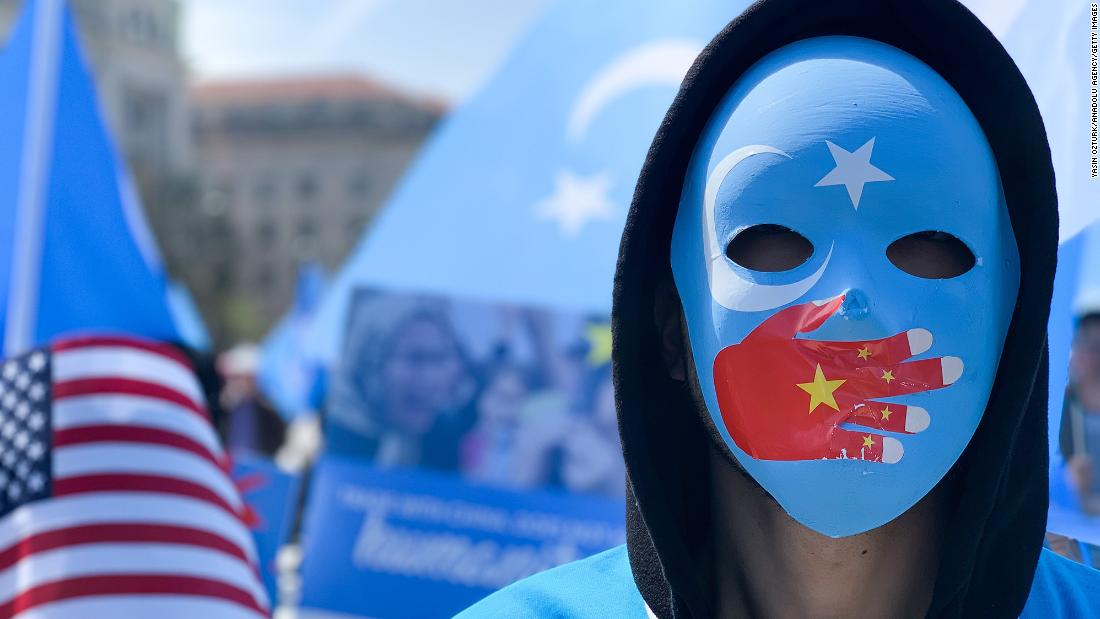 chinese-hackers-targeted-uyghurs-living-in-us,-facebook-security-team-finds