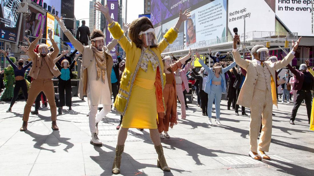 new-york-will-be-packed-with-outdoor-performances-this-spring-and-summer
