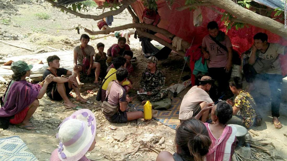 thailand-pushes-back-thousands-fleeing-myanmar-as-death-toll-surpasses-500