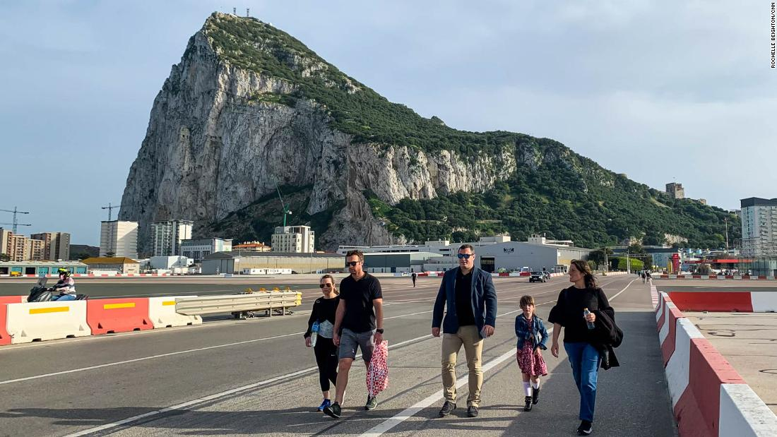 gibraltar-has-vaccinated-most-of-its-adults.-this-is-what-it's-like-now