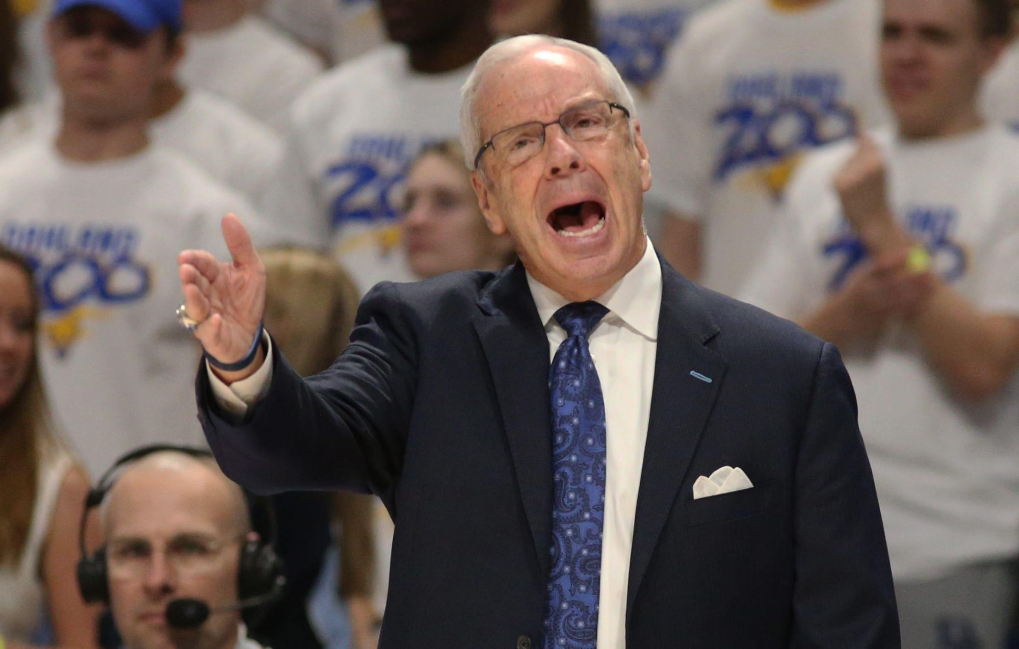 opinion:-roy-williams'-retirement-begins-ushering-out-of-college-coaching-legends