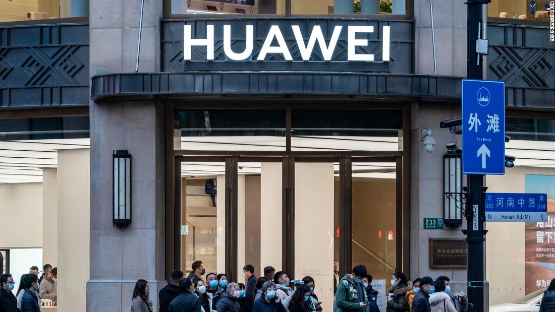 huawei-has-lost-its-smartphone-crown.-it-may-never-get-it-back
