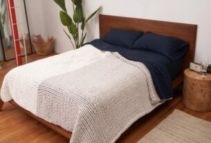 bearaby-just-launched-its-biggest,-heaviest-weighted-blanket-yet